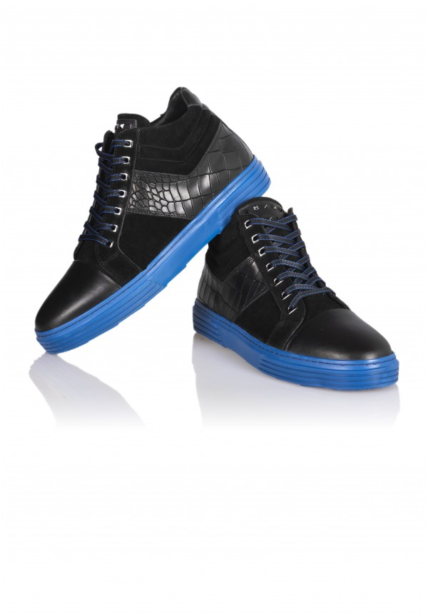 13047 BLACK AND BLUE